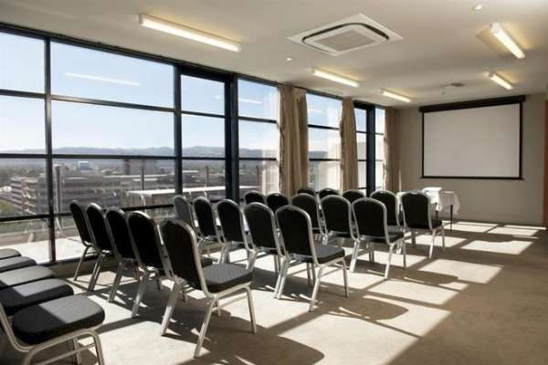 mantra-hindmarsh-square-adelaide-conference-room.jpg