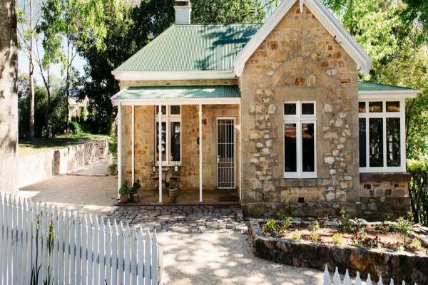 Mount-Lofty-House-Adelaide-Gatekeepers-Cottage.jpg