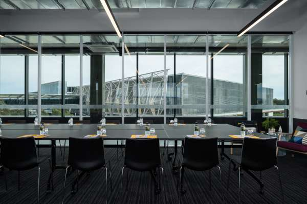 AturaAdelaideAirport-Meeting Room - Hinkler.jpg